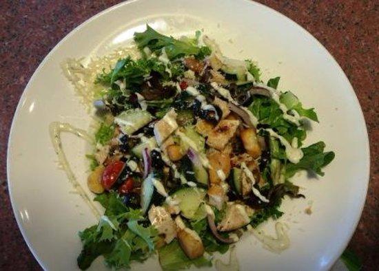 East Wenatchee, WA: Tuscan chicken salad