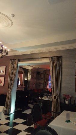 CheckMate Bar, Lounge and Restaurant: TA_IMG_20161025_205045_large.jpg