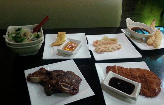 """Golden Valley, MN: These 6 menu items in my """"buffet"""" were all very good."""