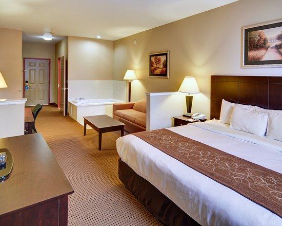Comfort Suites Near Alliance : King Suite
