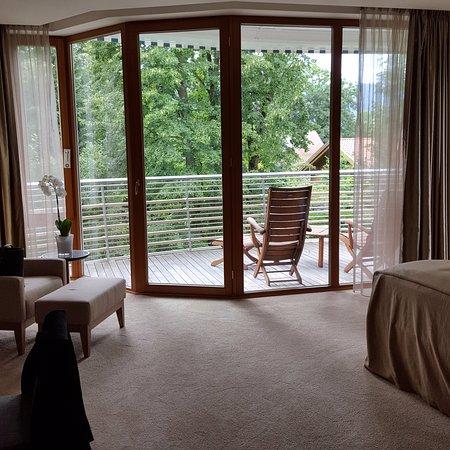 Grosses Zimmer Mit Balkon Picture Of Althoff Seehotel Ueberfahrt