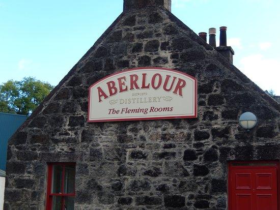 Dufftown, UK: The Aberlour Distillery Tasting Room