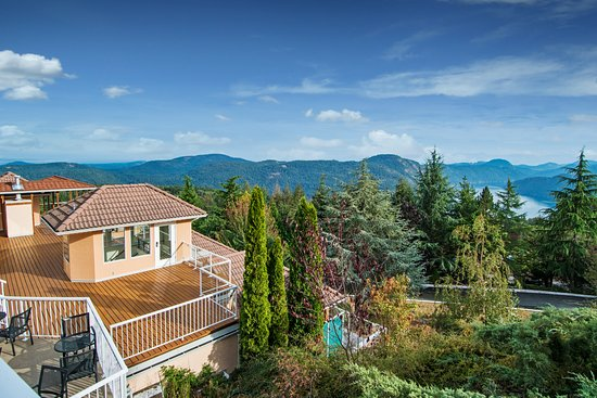 Malahat, Canada: View from Villa Principale and the Summit Restaurant