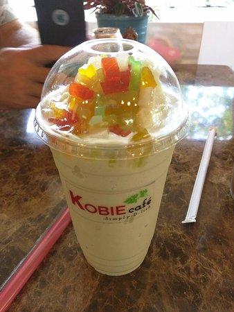 Kirkland, WA: Pineapple bubble tea with rainbow jelly