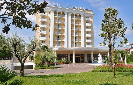 Hotel All'Alba: ab8aec_4e7e097480304d0890c8702d2607b573_large.jpg