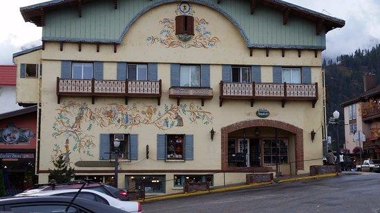 Leavenworth, WA: Bavarian buildings are beautiful