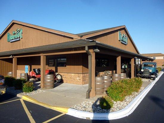 Marion, IL: Restaurant Facade