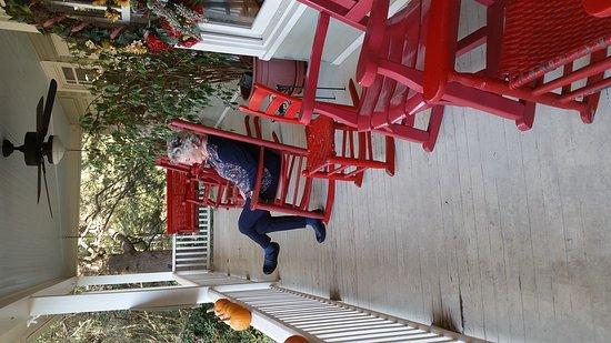 Red Rocker Inn: 20161024_101145_large.jpg