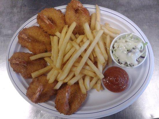 Myrtle Creek, OR: Shrimp~n~Chips. 6 pieces of shrimp, fries, homemade coleslaw, and homemake cocktail sauce.