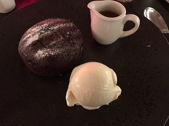Delph, UK: Chocolate fondue!
