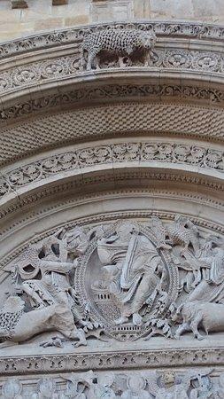 Charlieu, Francja: le grand portail