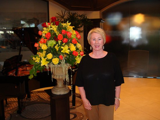 Sulphur, OK: I really enjoyed seeing all the beautiful fresh Fall flower arrangements scattered throughout th