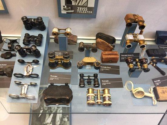 Jena, Allemagne : elegant binoculars