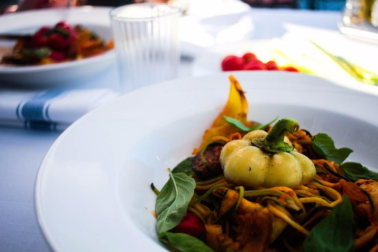 Gruda, Κροατία: Zucchininispaghetti, vegan maincourse.