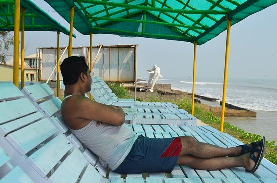 Neel Nirjaney: Amusement at beach view shade