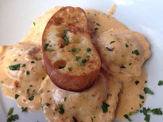 "Inlet Seafood Restaurant: Wonderful site and very good meal. Je recommande ce restaurant à toutes les personnes qui ""atter"