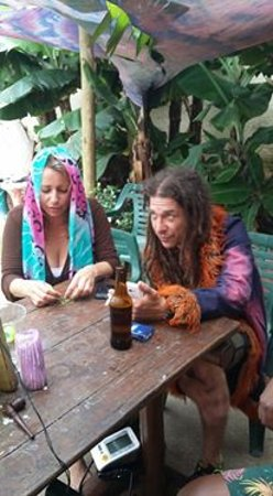 Nomads Backpackers: Coolest place but the guests are discouraged because of the hippies.