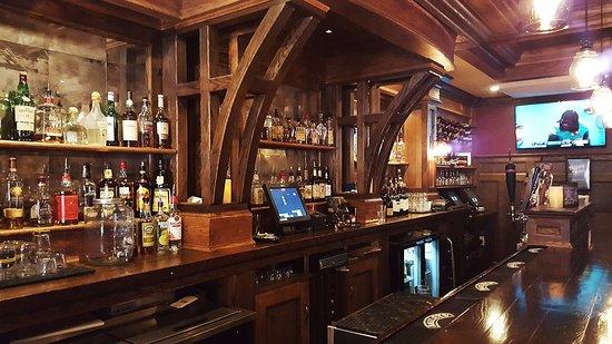 Suffield, CT: Bar Scene