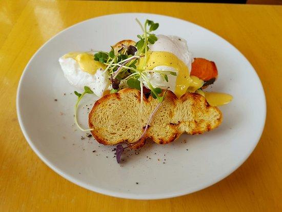 Mapua, นิวซีแลนด์: Salmon eggs benedict