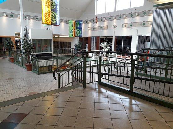 Boitano Mall