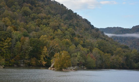 New River Gorge: Note the three crosses on the Island