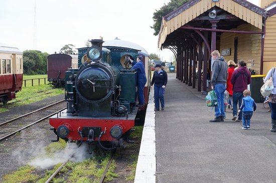 Tank engine at Queenscliff station prior to boarding.