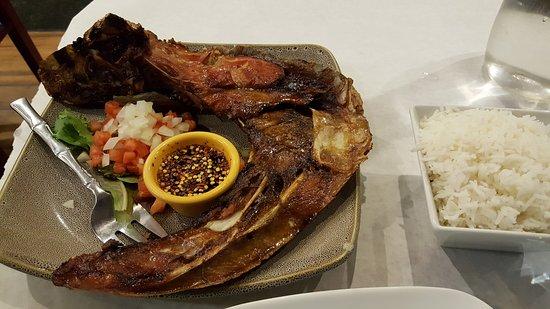 Woodside, Nova York: Inihaw na Panga (grilled tuna jaw)...the SMALL