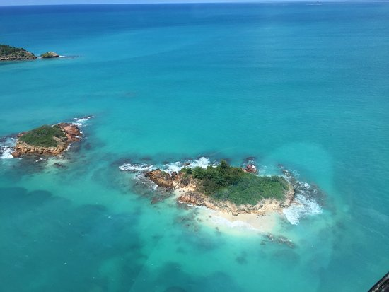 Caribbean Helicopters: flying over Antigua
