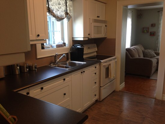 North Bay, Canada: Kitchen with all essentials and more