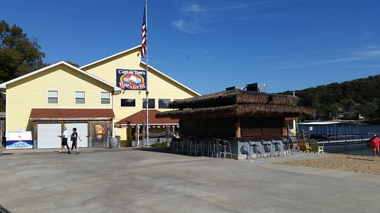 Sunrise Beach, MO: Captain Ron's Bar & Grill