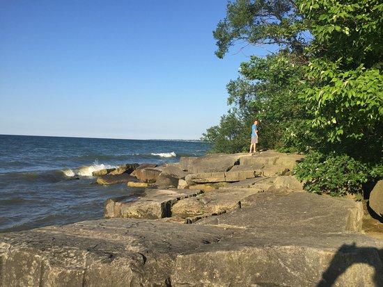 Huron, OH: rocky shore beyond the beach