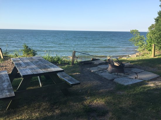Huron, OH: picnic area and bonfire area overlooking the lake