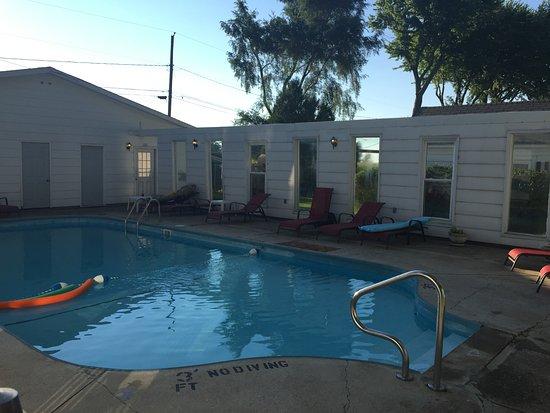 Huron, OH: pool
