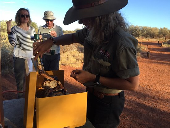 Yulara, Australie : Sunrise breakfast with Emily