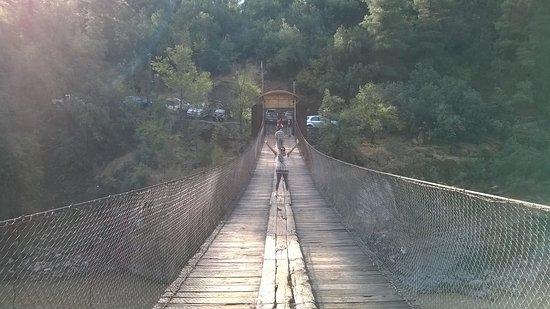 San Alfonso, Şili: ponte sobre o rio