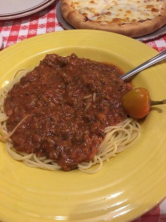 The Italian Underground Restaurant: Cozy restaurant, great services and amazing food!