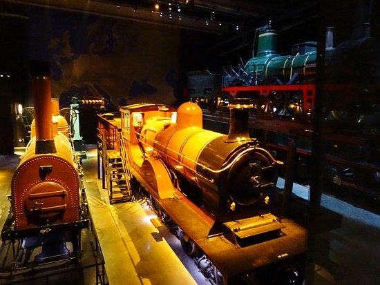 Schaerbeek, Bélgica: La salle des locomotives à vapeur