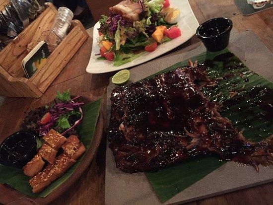Subang Jaya, Malaysia: Ribs, pork salad and seefood tapas