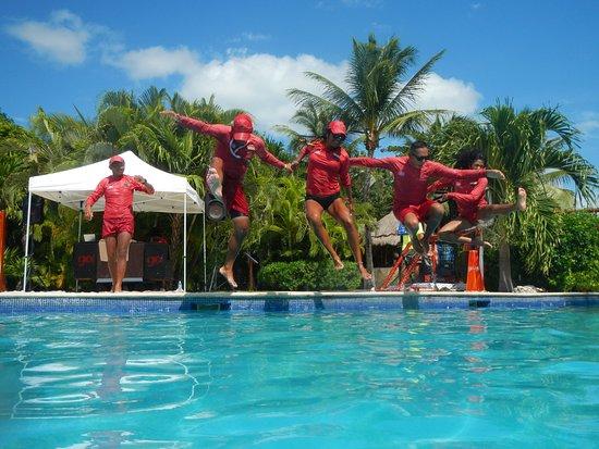 Valentin Imperial Riviera Maya: The Amazing Entertainment GO! Staff