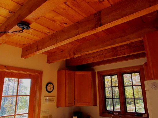 Newfane, Вермонт: Wooden ceiling and beams