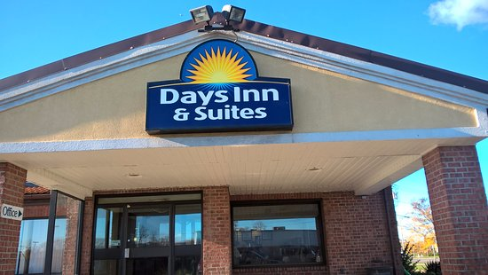 Utica, NY: Days Inn sign