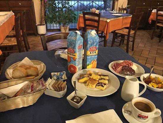 Montecarotto, Italia: Zimmer Cadabo + Frühstück
