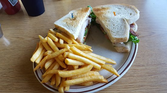 El Cajon, CA: Bacon, Turkey & Avocado With French Fries Meal