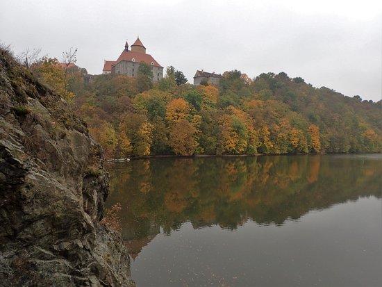 Statni Hrad Veveri: Approaching the castle per boat...