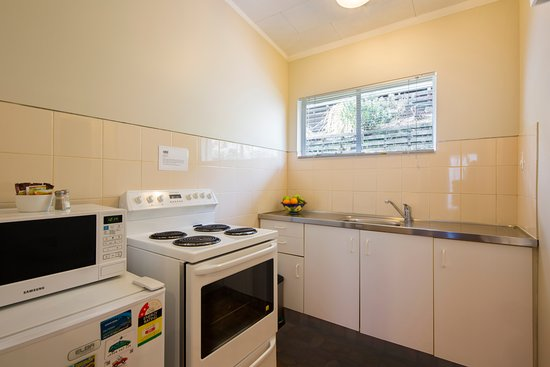Studio Apartment Queenstown modren studio apartment queenstown blue peaks lodge accommodation