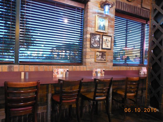 Willowbrook, IL: also have counter seats available.