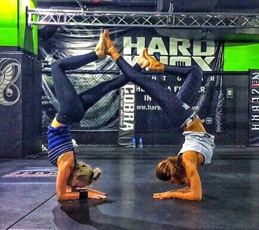 Cobra Fitness Abu Dhabi: Yoga , acroyoga , healthy meals to satisfy you before and after my session and much more. Best g
