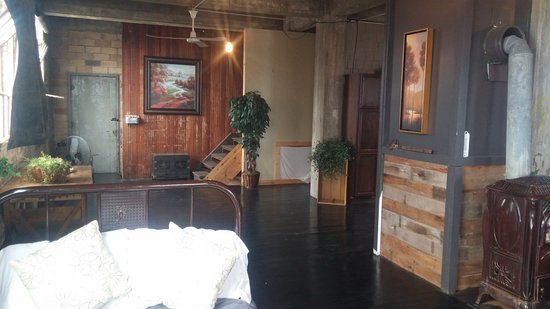 Ashley, ND: 3rd floor loft