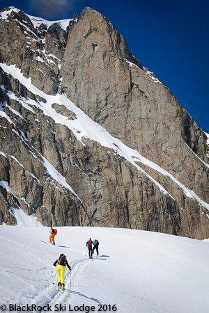 Les Houches, Fransa: Ski touring from BlackRock Ski Lodge - earn your turns!