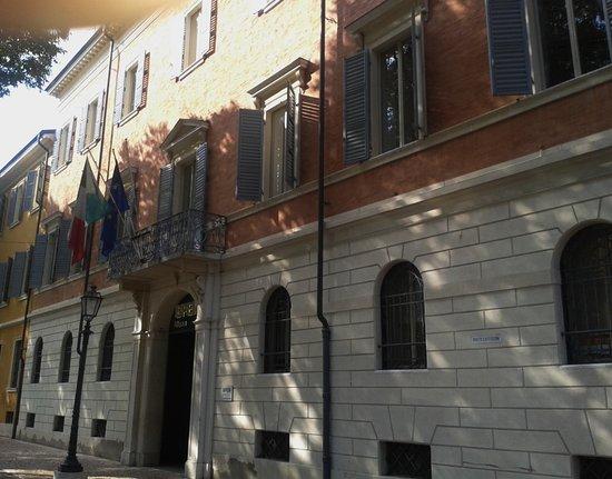 Palazzo Cavazza - Polo Commerciale